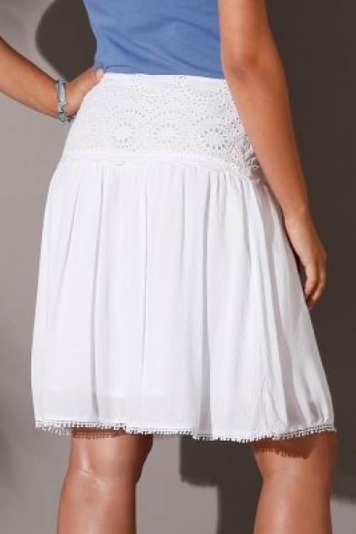 Bílá krajková sukně pro plnoštíhlé