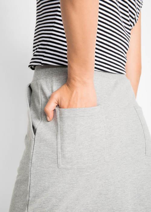 Sportovní sukně s kapsami ... 8bfd06ccba