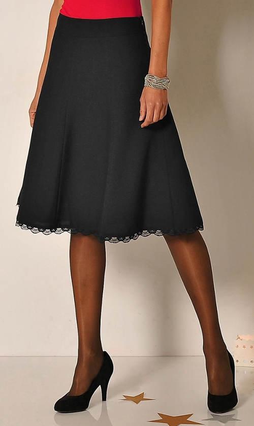 Černá áčková sukně s krajkou