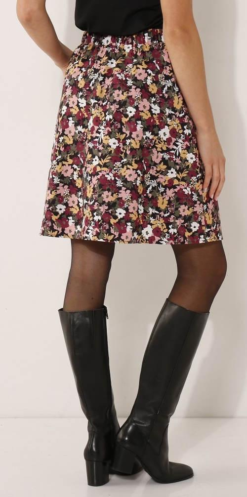 fd146e8c414 Květinová sukně ke kozačkám