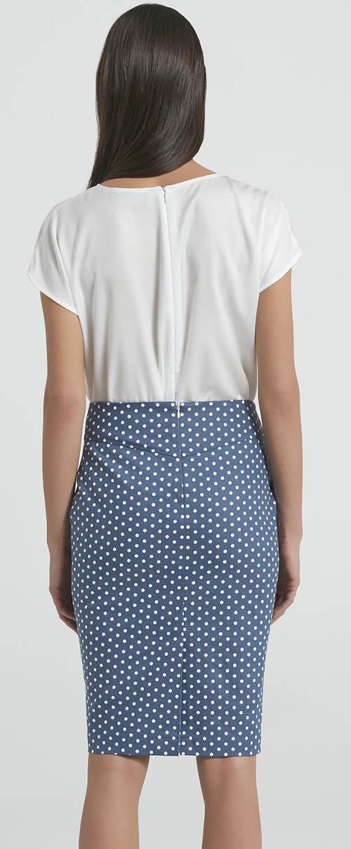 Pouzdrová sukně s puntíky