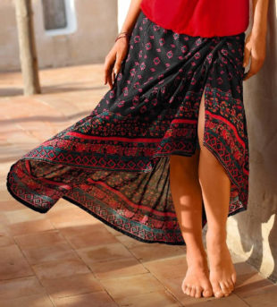 Lehká bavlněné sukně s asymetrickým cípem