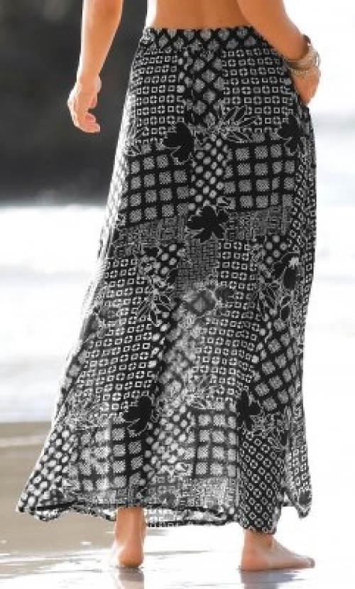 a0cd29d13397 Dlouhá černobílá sukně s patchwork vzorem