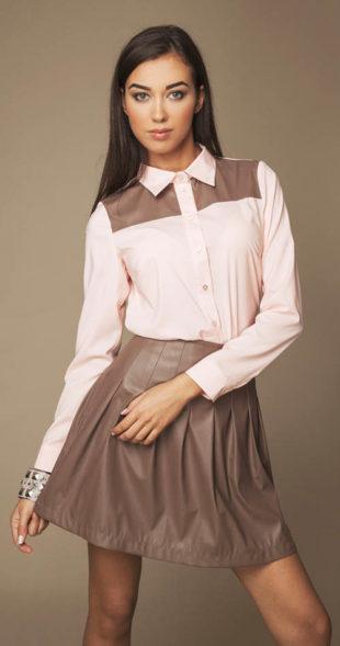 Lesklá sukně s prošitím a sklady