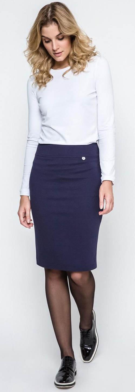 Pouzdrová sukně k bílé halence