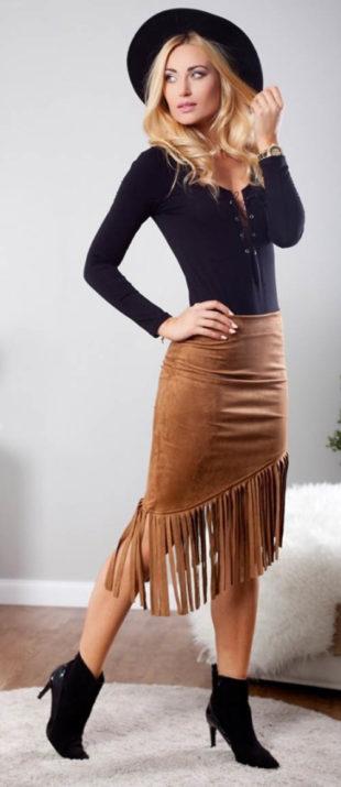 Kovbojská asymetrická sukně s třásněmi