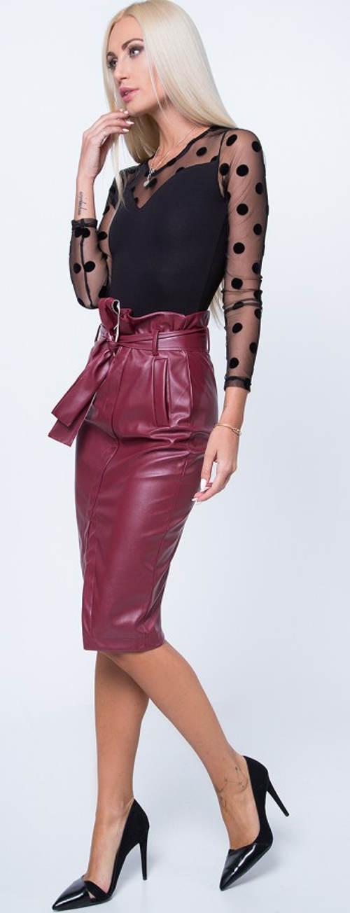 Moderní dámská bordó sukně