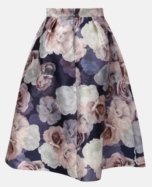 8ccc47628eea Roztomilá květinová sukně do áčka. Romantická letní sukně Romantická letní  sukně