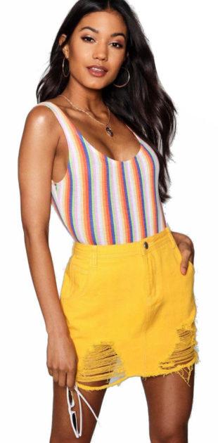 Žlutá denimová sukně s průstřihovým děrováním