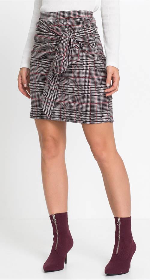Krátká kostkovaná sukně s mašlí