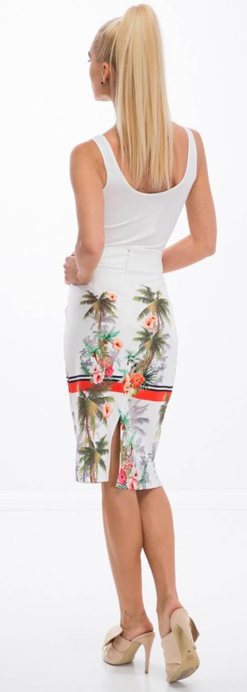 Letní sukně k bílému tílku