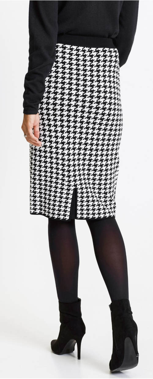 Černobílá zimní sukně