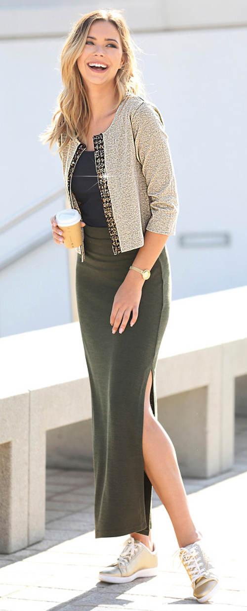 Dlouhá úpletová sukně s postranním rozparkem