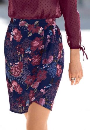 Modrá pozdrová květinová sukně nad kolena
