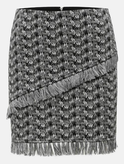 Šedá vrstvená sukně s třásněmi