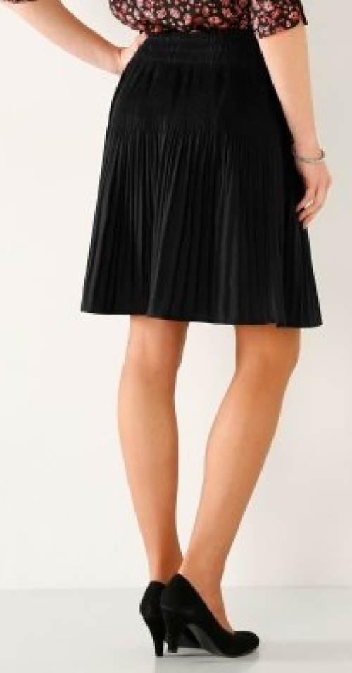 Společenská plísovaná sukně ke kolenům