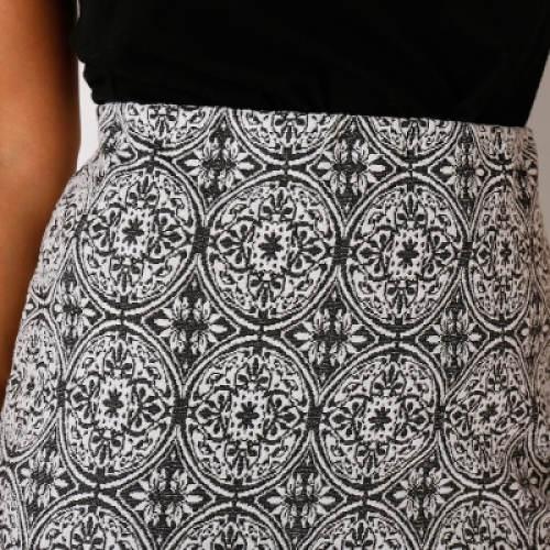 Černobílá sukně s originálním vzorem