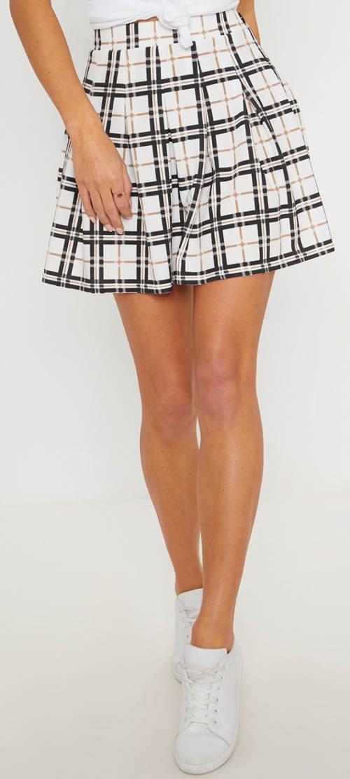 Světlá karovaná letní sukně