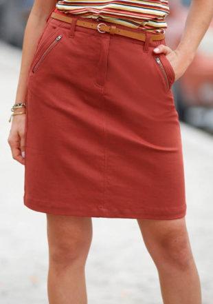 Rovná dámská sukně s kapsami a zipy