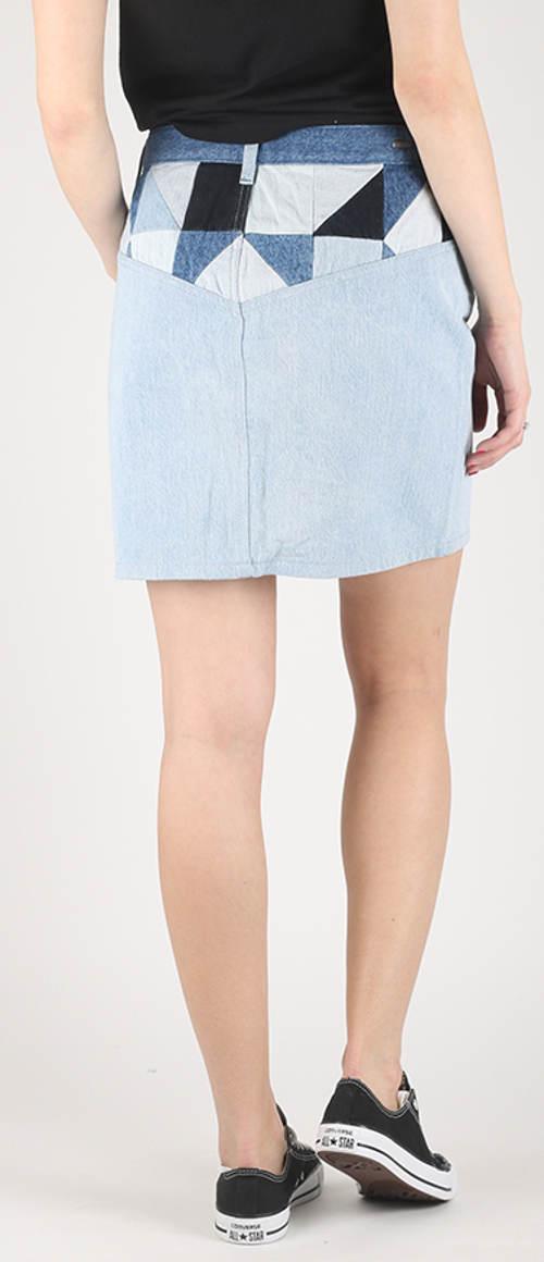 Džínová sukně s geometrickým vzorem