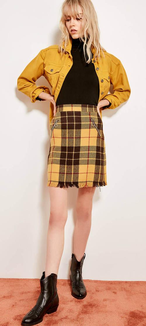 Úpletová žlutá karovaná sukně