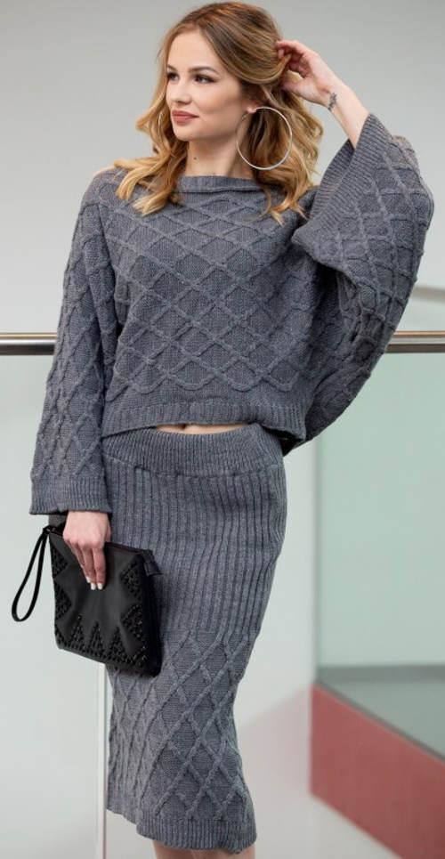 Komplet šedé pletené sukně a svetru
