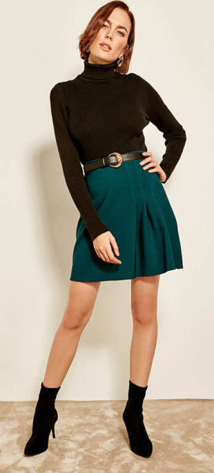 Levná sukně smaragdové barvy