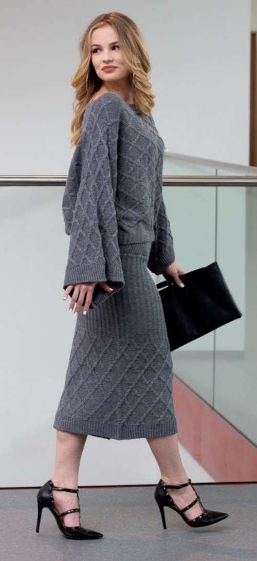 Zimní sukně se svetrem