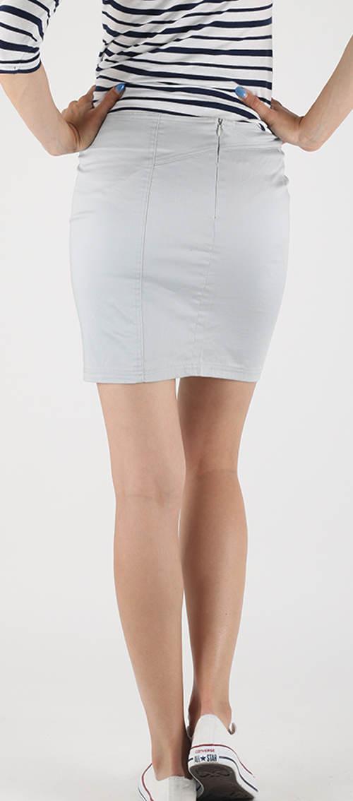 Světlá úplá džínová sukně
