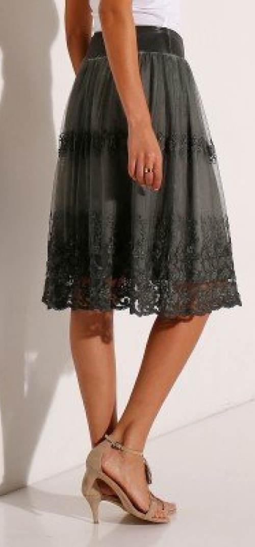 Vyšívaná krajková sukně