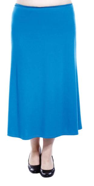 Dlouhá splývavá sukně pro plnoštíhlé