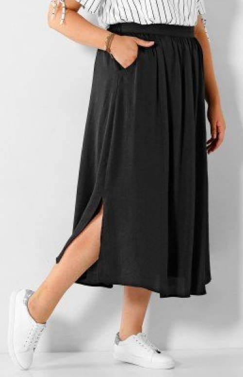 Dlouhá vzdušná černá sukně s kapsami