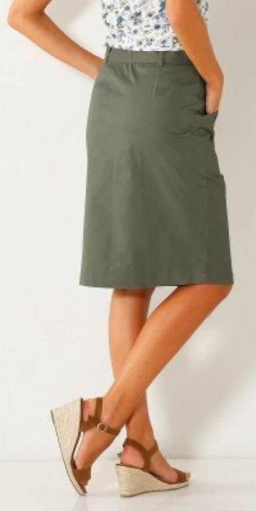 Šedá letní sukně ke kolenům
