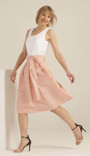 Široká růžová společenská sukně s vázačkou v pase