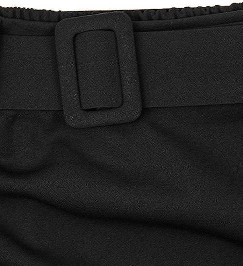 Černá sukně s ozdobným páskem