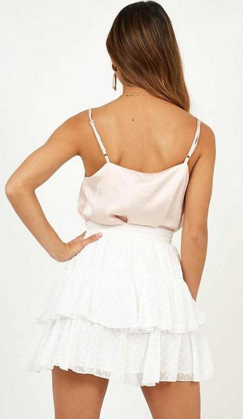 Krátká bílá společenská letní sukně s volánky