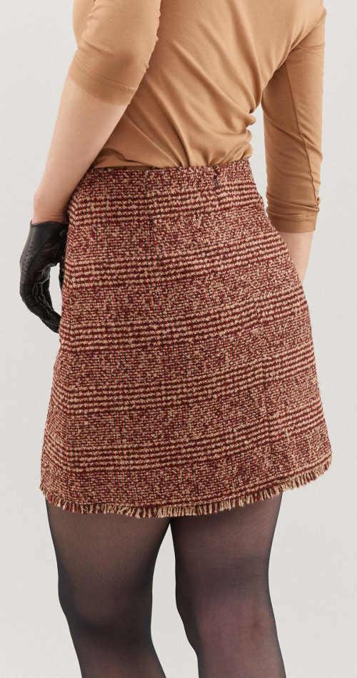 Krátká podzimní sukně