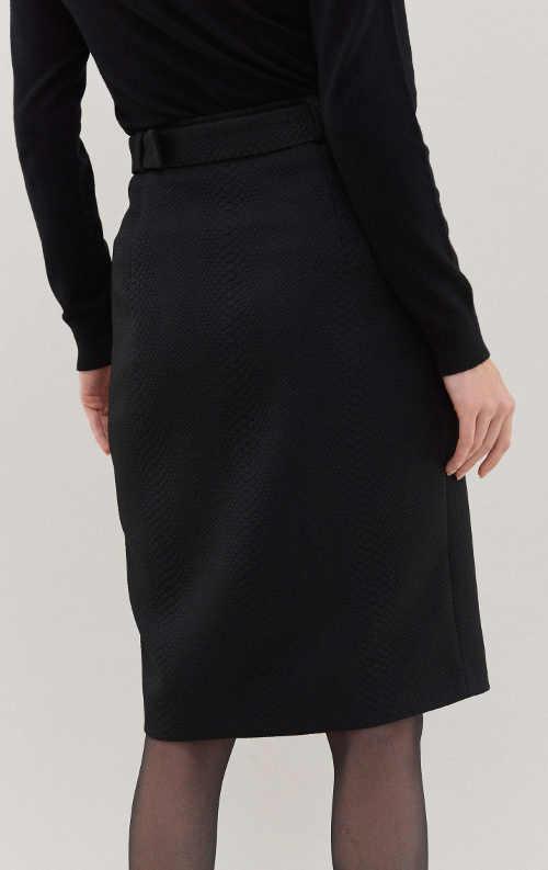 Luxusní černá dámská sukně s délkou ke kolenům