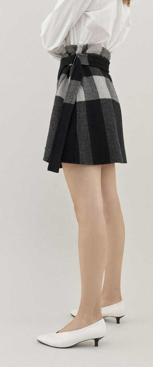 Vlněná kostkovaná zavinovací sukně