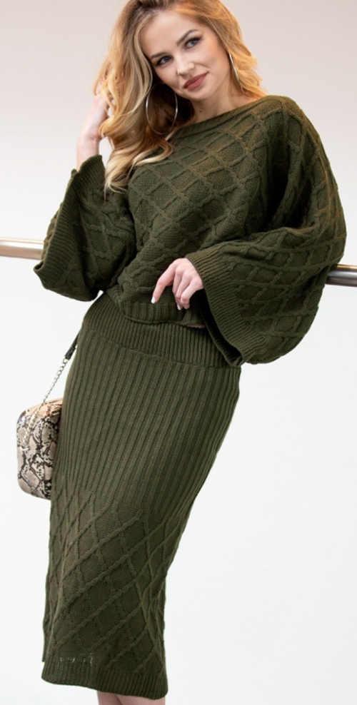 Pletený dámský kostým sukně a svetr