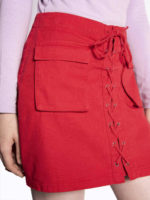 Červená džínová minisukně se šněrováním na předním díle