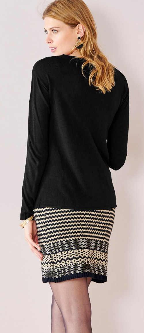 Krátká pletená zimní sukně