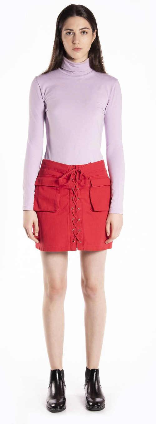 Netradiční dámská džínová sukně