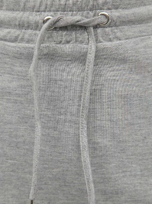Zavazovací šňůrka v pase sukně