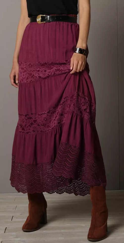 Dlouhá fialová dámská sukně s krajkou