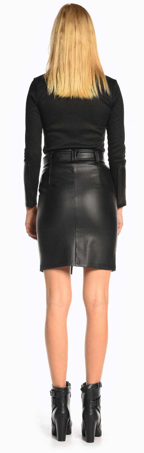 Úzká sexy kožená černá sukně