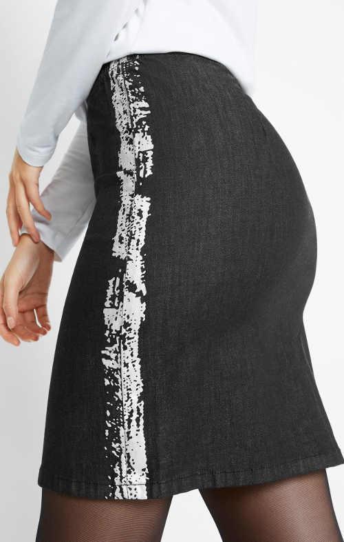 Černá džínová sukně s bílým postranním potiskem