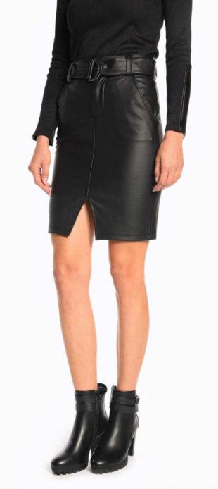 Černá pouzdrová kožená sukně s páskem