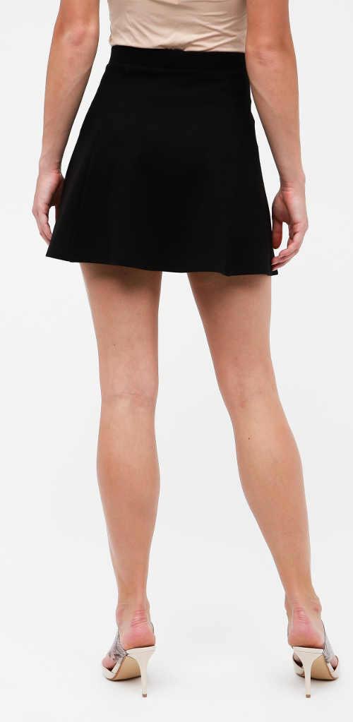 Extra krátká černá letní sukně