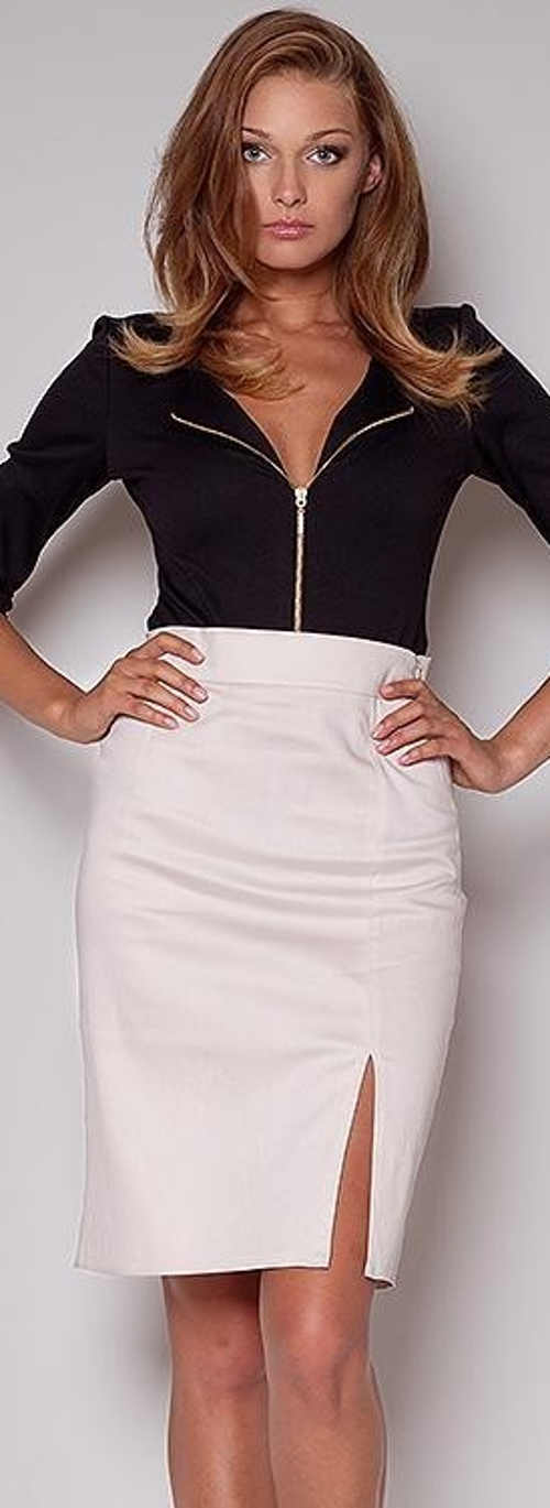 Bílá úpla společenská sukně s vysokým pasem